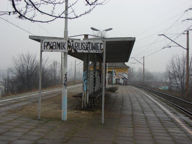 Wiata na peronie