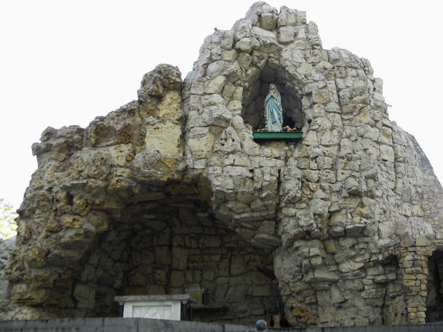 Grota Lurdzka w Górze Świętej Anny