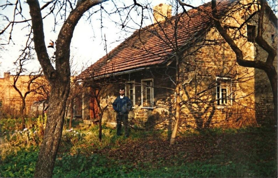 Stary dom przed rozbiórką.